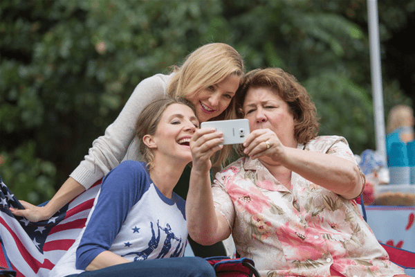 mothers-day-movie-selfie